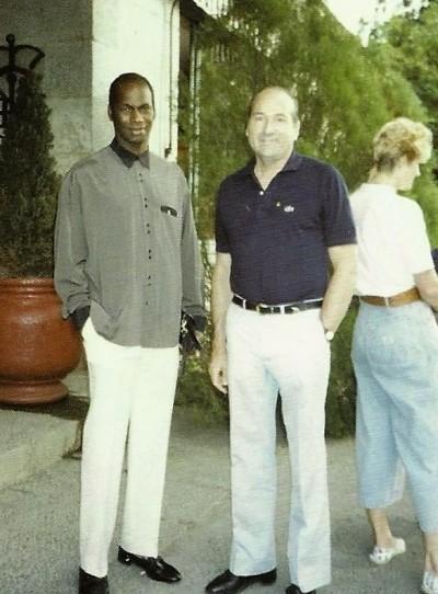 Conrado Durántez con Bob Beamon